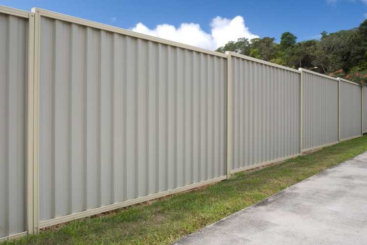 Colorbond fencing is the lowest maintenance fencing option for you!